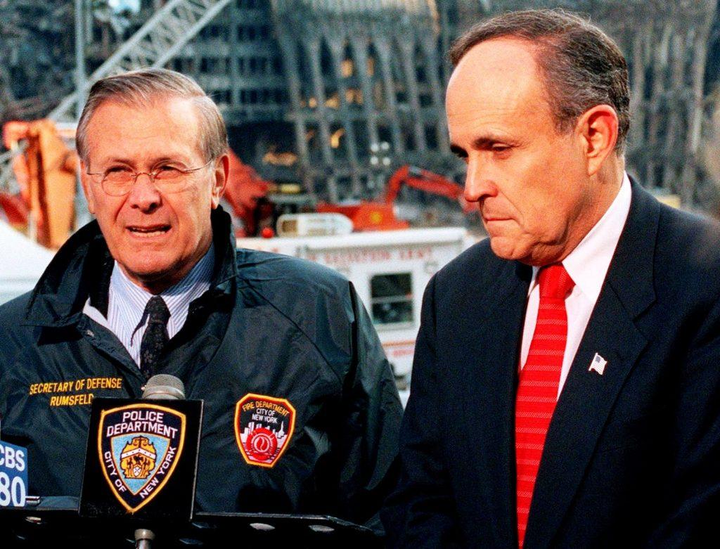 Měli Rumsfeld, Giuliani a spol. povědomí o tom, co se 11. září 20001 chystá, předem? Vše nasvědčuje tomu, že ano. Foto Wikimedia Commons