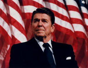 Byl pokus o zabití Ronalda Reagana činem osamělého šílence, nebo byly v pozadí temné politické síly? Foto Wikimedia Commons