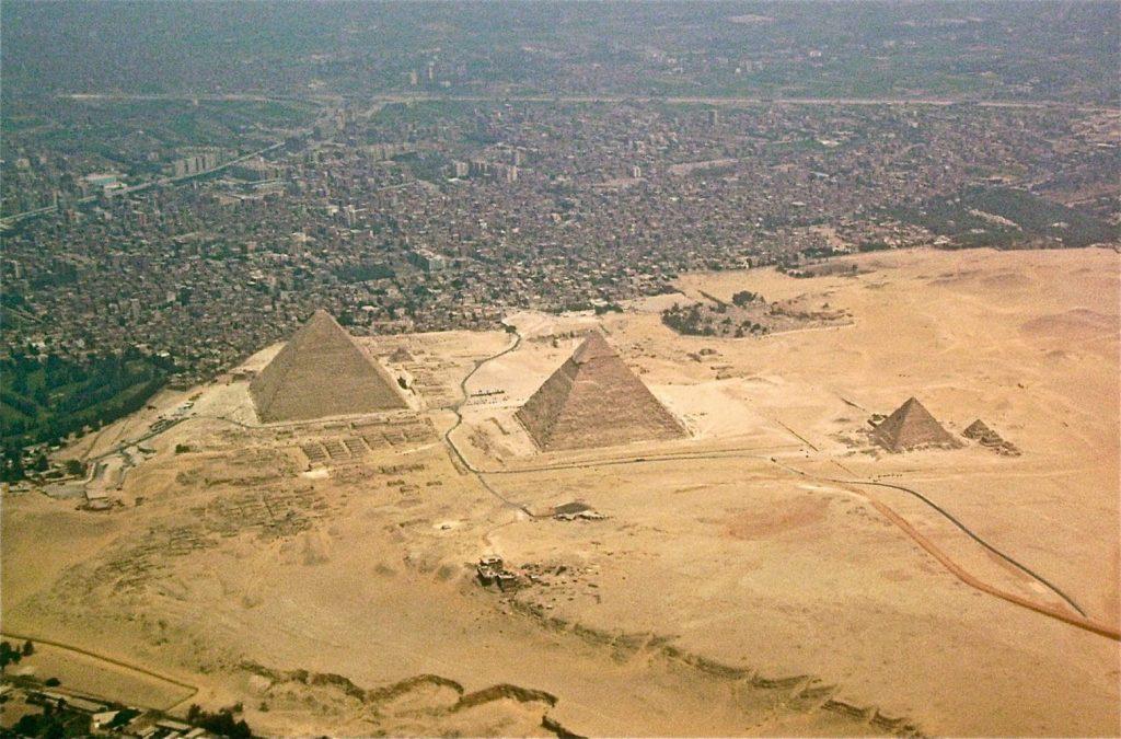 Dozvíme se někdy, co všechno ukrývají (nejen) egyptské pyramidy? Foto Wikimedia Commons