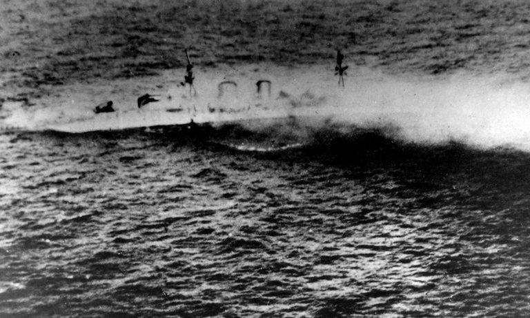 Křižník HMS Exeter se potopil během operace v Jávském moři 1. března 1942. Vrak nyní ze dna moře beze stopy zmizel. Foto: US Naval History and Heritage Command